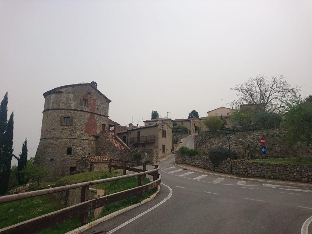 モンテフォッロニコの入口の写真