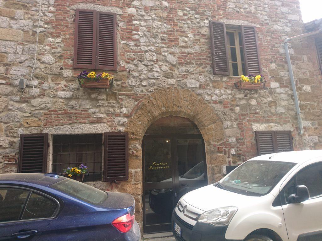 カンティーナ・インノチェンティの入口