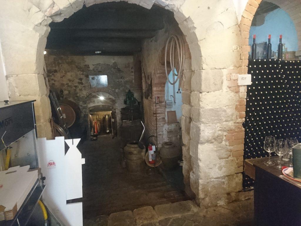 地下の酒蔵への入口